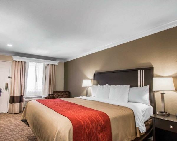 Quality Inn Downey Accessible King Guestroom