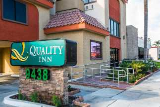 Quality Inn Downey - Quality Inn Downey Entrance