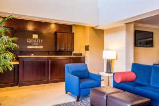 Quality Inn Downey - Front Desk