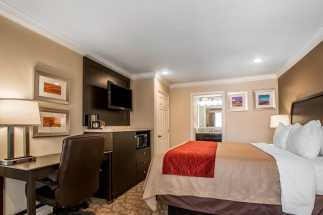 Quality Inn Downey - Spacious King Bed Room